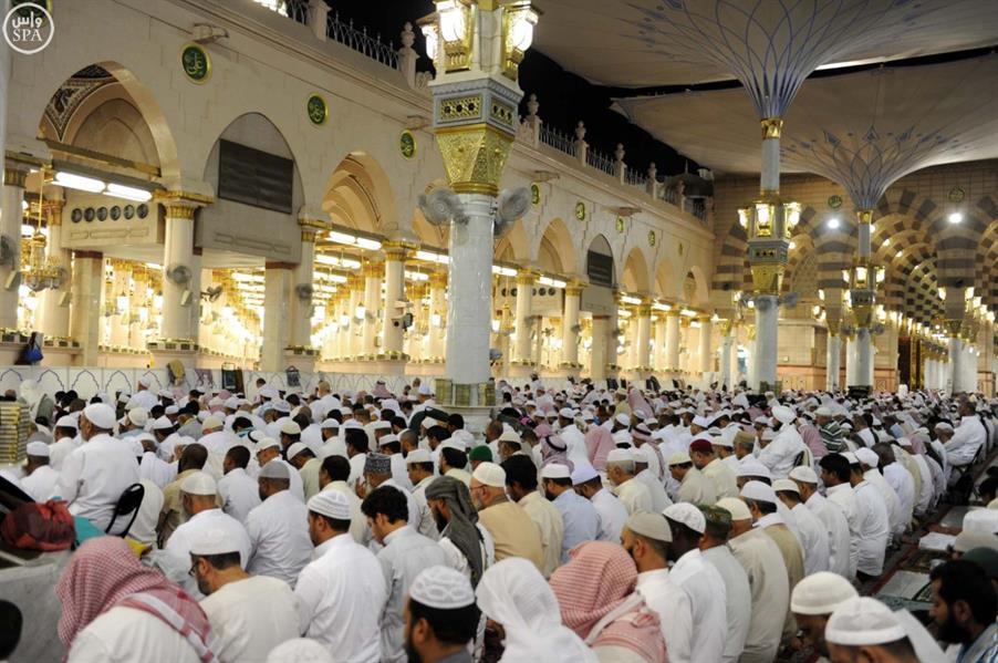 صلاة التراويح في المسجد النبوي