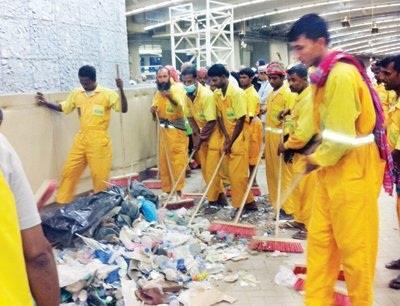 آلاف عامل نظافة يمتنعون العمل 05c145ae-1a8b-43ae-8