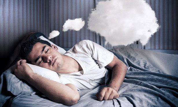 نم في جو من العتمة يمكن للضوء بكل أنواعه وأشكاله أن يحدث خللاً في نمط النوم، لذا فإن إبقاء الغرفة مظلمة تماماً يساعدك في الحصو