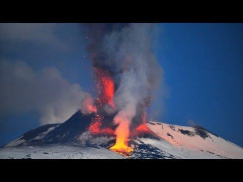 """""""جوجل إيرث"""" يعرض مشاهد من داخل بركان"""