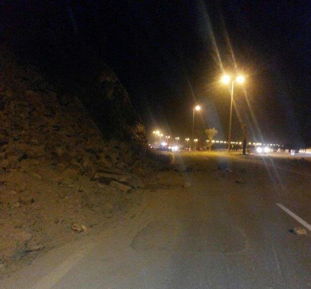 تباشر حادث انهيار صخري في طريق الطائف- الباحة