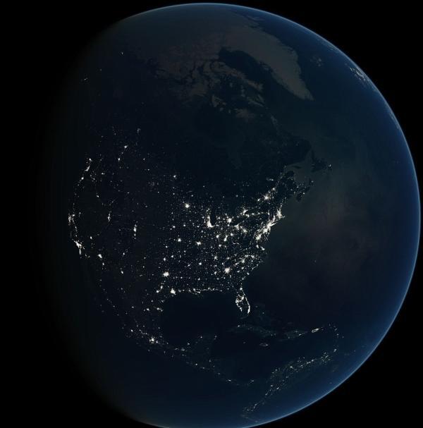 مذهلة الفضاء.. أوروبا تتلألأ وأفريقيا