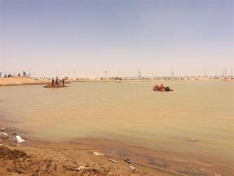 وفاة مقيم غرقا أثناء السباحة في مستنقع مائي بشرورة