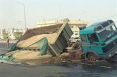 تربة: سقوط شاحنة في حفرة تمديد أنبوب مياه