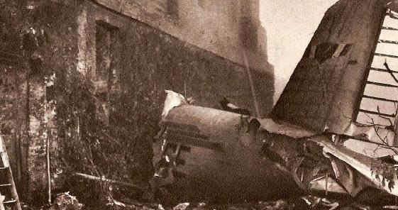 5- وفاة فريق بأكمله في تصادم طائرتين