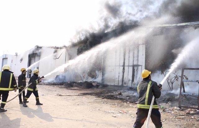 حريق في ثلاثة مستودعات بالمعصيم في مكة