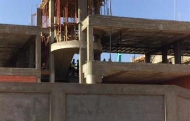 انهيار مبنی مدرسي يسفر عن مقتل عاملين في حائل