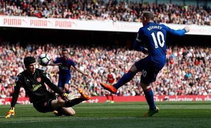 فينغر يحقق الفوز على مورينيو في الدوري الإنجليزي لأول مره في تاريخه