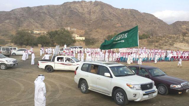 """قبيلة """"آل ثوبان"""" تحتفل بإطلاق سراح ابنها من أيدي الحوثيين"""
