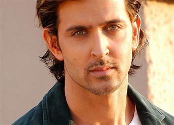 """أم ممثل هندي تتبرع بمليون روبية للمساهمة في علاج """"إيمان المصرية"""""""