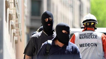 """السلطات في فرنسا تقبض على رجلين """"كانا يخططان لهجوم"""""""