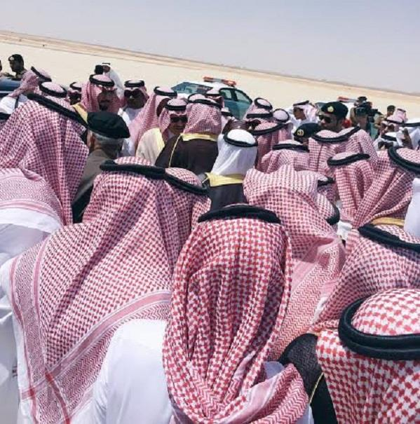 بالفيديو والصور.. أهالي منطقة الحدود الشمالية يودعون الأمير مشعل بن عبدالله