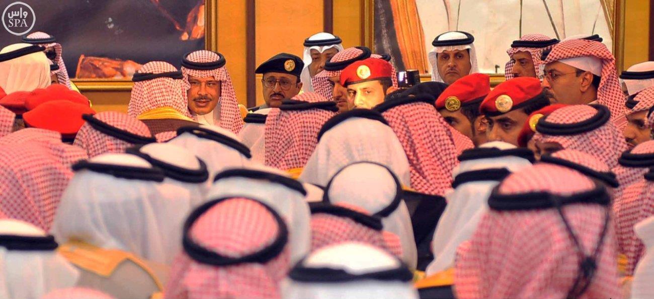 أمراء المناطق يستقبلون جموع المبايعين لوليّ العهد ووليّ وليّ العهد