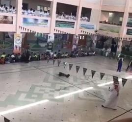 أخبار 24   شاهد.. لعبة تفحيط داخل مدرسة بالدمام وسط تشجيع التلاميذ تثير جدلاً
