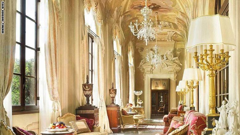 """فندق """"فور سيزونز فيرينزي"""" في فلورنسا، إيطاليا"""