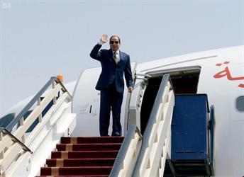 الرئيس المصري يغادر الرياض