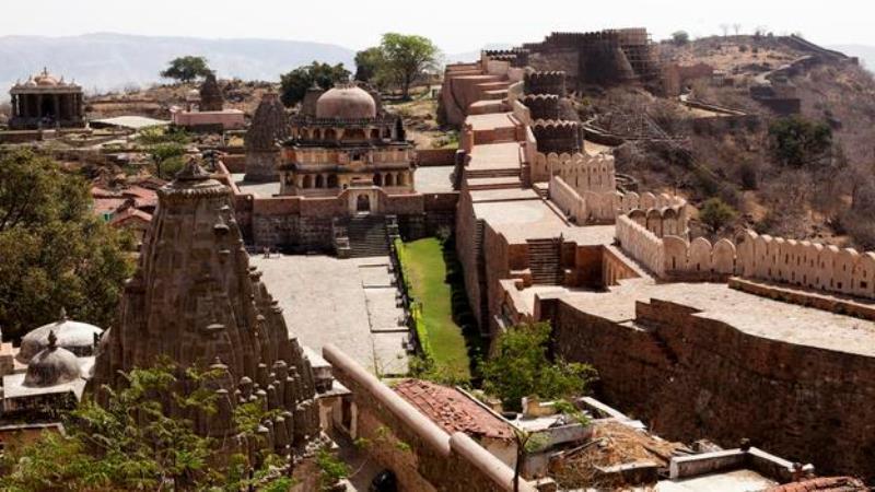 "6- ""Great Wall of India""، الهند:"