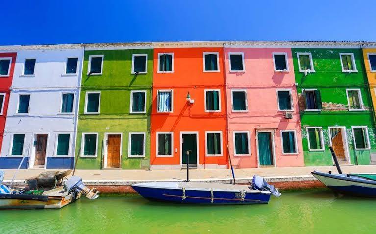 بالصور..تعرف على أكثر الأماكن الملونة في العالم 26aa87bb-1c87-4688-a
