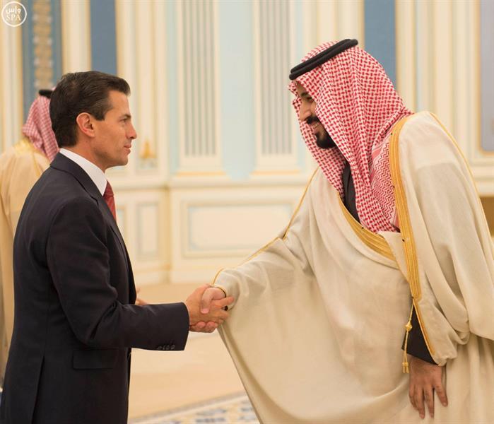 بالصور.. خادم الحرمين يلتقي رئيس المكسيك