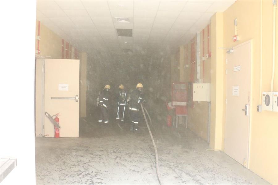 فرق الدفاع المدني بمكة تسيطر على حريق في محطة توليد الكهرباء بحي جرول