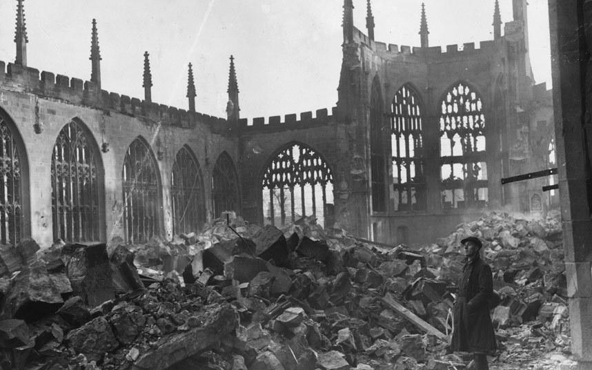 """6-كوفنتري ــ المملكة المتحدة:   تعرضت مدينة """"كوفينتري"""" لسلسلة هجمات من جانب السلاح الجوي الألماني خلال الحرب العالمية الثانية"""