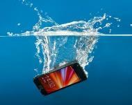 قليل من الأرز ينقذ هاتفك المبلل!