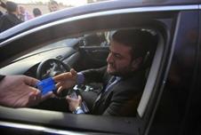 نجل مرسي يقول إن والده يعتزم العودة رغم الحكم عليه بالسجن