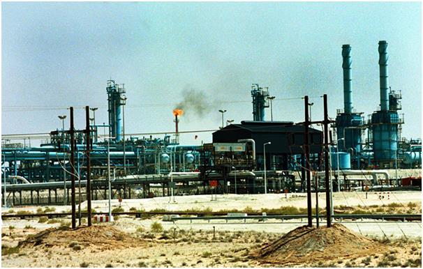 احتلت الإمارات المركز السابع باحتياطي نفطي مؤكد 97.8 مليار برميل، وقد تم اكتشاف النفط بها منذ 30 عامًا.