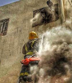 حريق في منزل شعبي يصرع شخصاً ويصيب ثلاثة بجدة - صور
