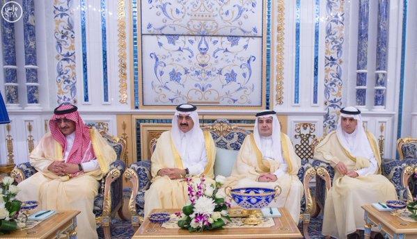 خادم الحرمين يستقبل وزير الخارجية البريطاني