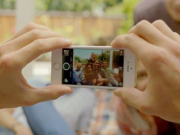 يمكن للمستخدم حذف الملفات والصور غير الضرورية لضمان سرعة كفاءة الهاتف .