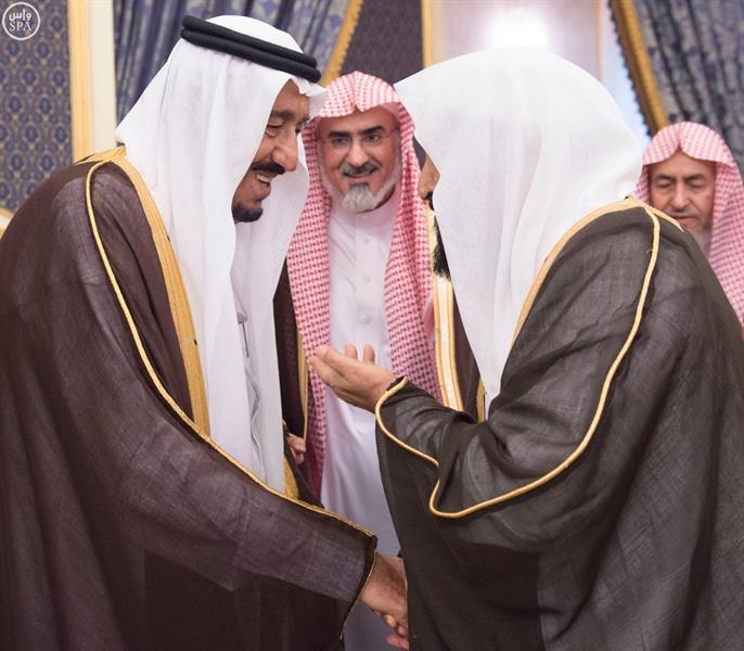 خادم الحرمين الشريفين يستقبل عددا من الامراء وأصحاب الفضيلة والمواطنين