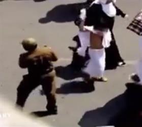 بالفيديو.. مشهد طريف بين رجل أمن وطفل في المشاعر المقدسة