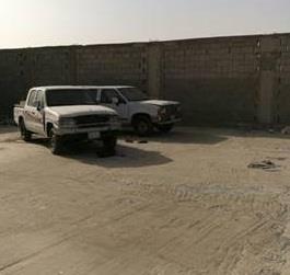 """""""شرطة الرياض""""  تضبط مطلوبين سرقا 12 مركبة وأخفوها باستراحة جنوب العاصمة (صور)"""