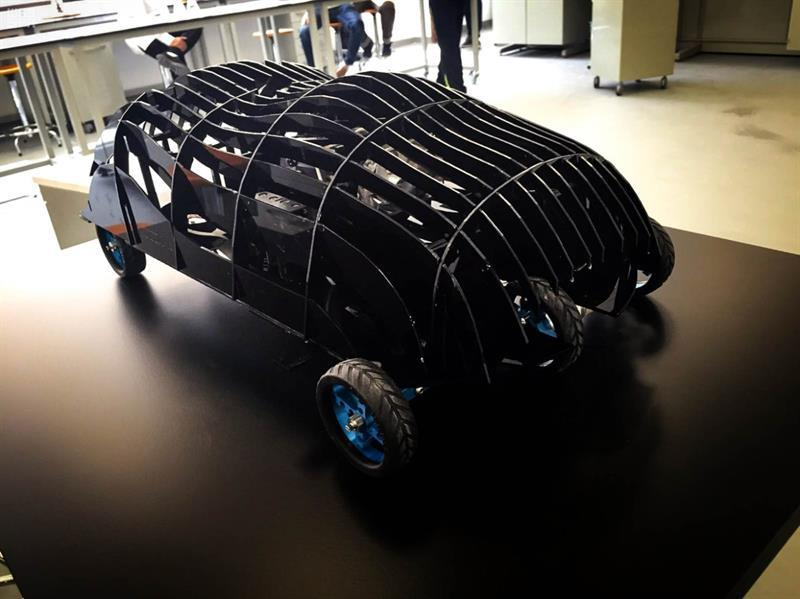 """فريق السيارة السعودية """"سديم"""" يفوز بجائزة ثاني أفضل تصميم بأمريكا..."""