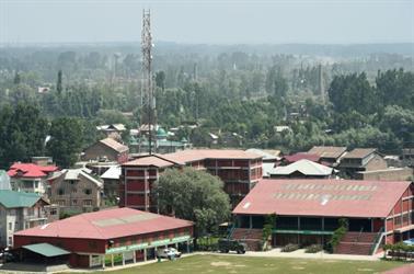 مقتل مسلحين اثنين في اشتباك بين القوات الهندية ومتمردين في كشمير