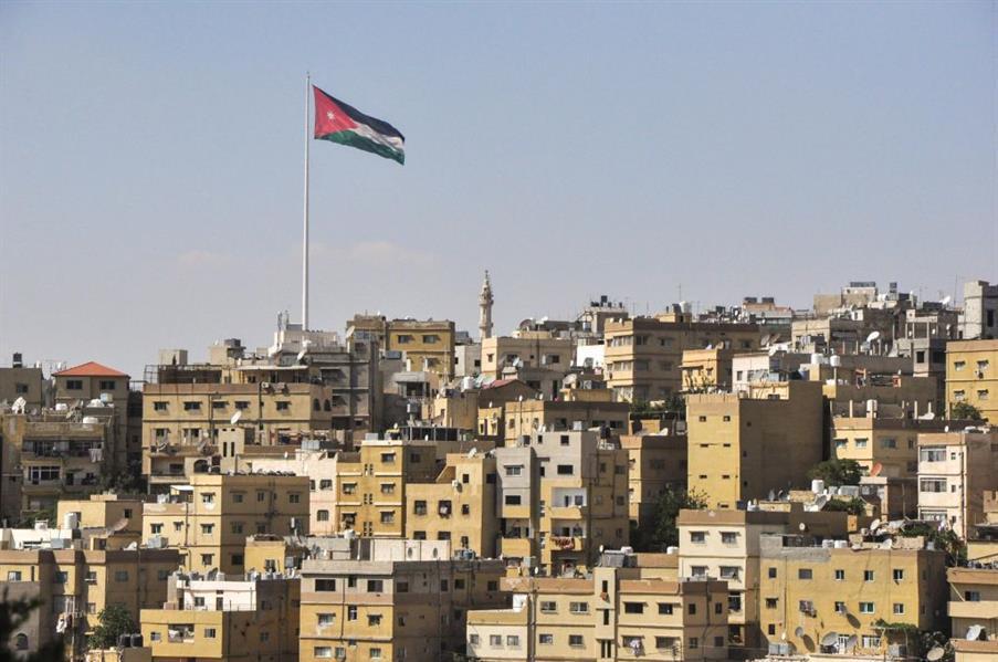 مصرع وإصابة عائلة سعودية في حادث مروري بالأردن