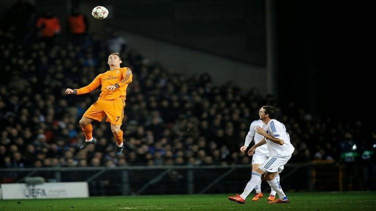 6- يربح 40 يورو في الدقيقة: كشفت وسائل إعلام إسبانية أن هداف ريال مدريد وقع عقداً مع ناديه حتى عام 2020 بعقد تجاوزت قيمته 2