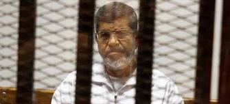 تأجيل محاكمة مرسي و 130 آخرين في قضية «وادي النطرون»