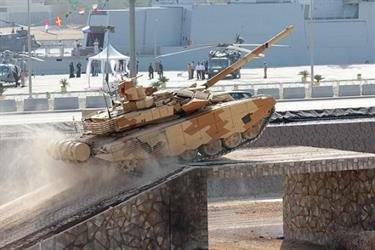 """مسؤول روسي: مفاوضات لتصدير دبابات """"تي 90"""" ومنظومات صاروخية ودفاعية للمملكة"""