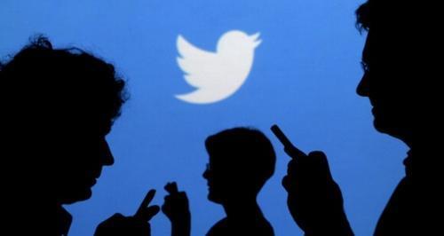 تويتر تفعّل خاصية الوضع الليلي