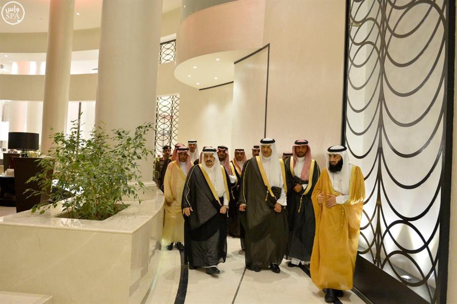 أمير منطقة الرياض يفتتح فندقاً في الرياض