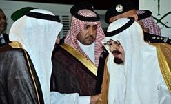 خادم الحرمين يصل الى الرياض قادما من جدة