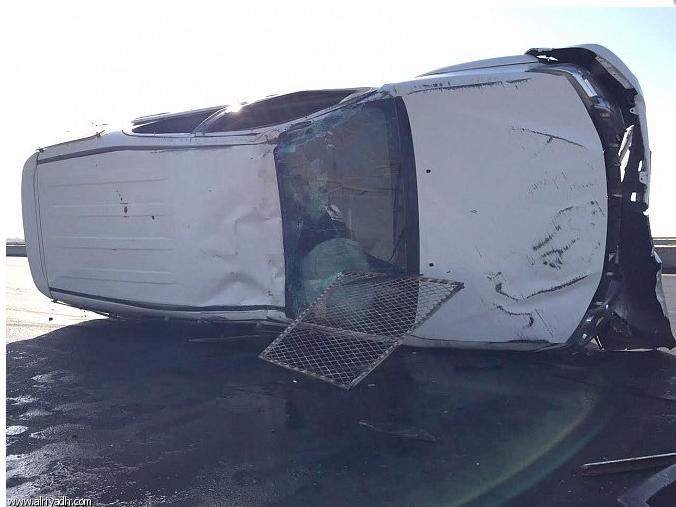 """بالصور.. حادث تصادم لمركبة """"ساهر"""" في تبوك"""