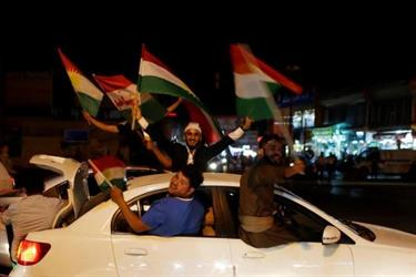 أكراد إيران يتظاهرون تأييدا لاستفتاء الاستقلال في شمال العراق
