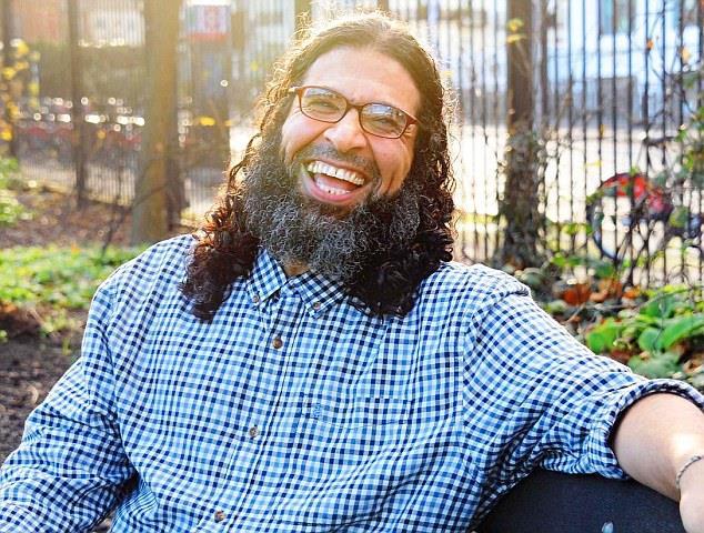 البريطاني سعودي الأصل شاكر عامر يتحدث عن سنوات الاعتقال في غوانتانامو