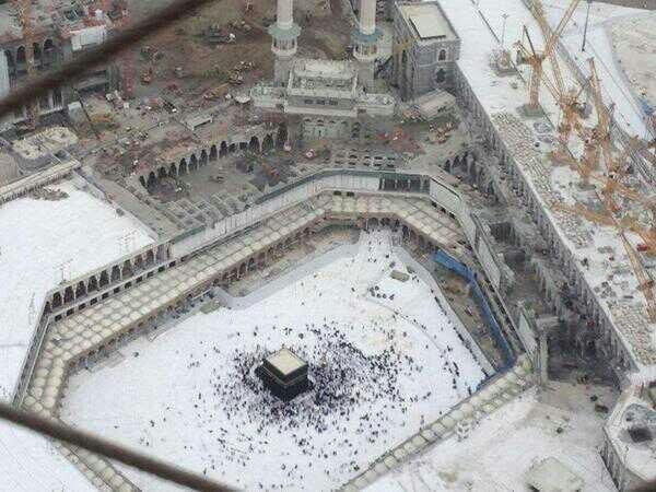 بالصور والفيديو: أعمال الهدم داخل المسجد الحرام لتوسعة المطاف 3d3ab62a-752d-4595-8