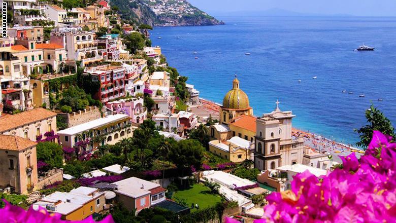 """طريق """"Amalfi"""" الساحلي في إيطاليا"""
