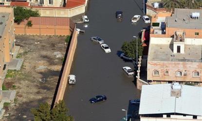 """""""مدني الشرقية"""" يدعو المواطنين المتضررة مركباتهم من جراء الأمطار لمراجعة لجان حصر الأضرار"""