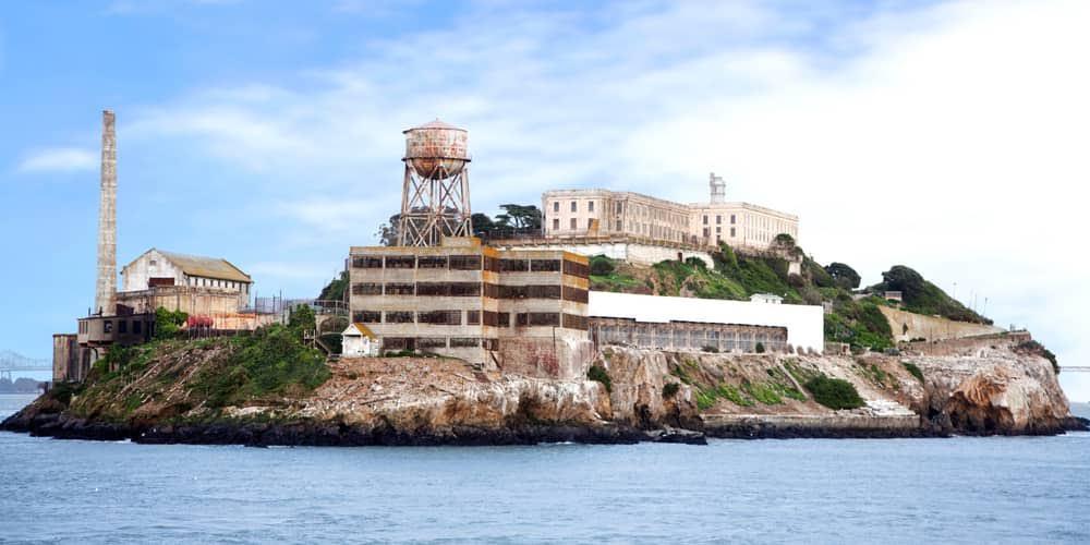 14- سجن ألكاتراس (سان فرانسيسكو بولاية كاليفورنيا الأمريكية)